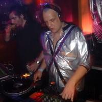 Three Drives - Greece 2000 (DJ Chus 2004 Olimpic Rework)