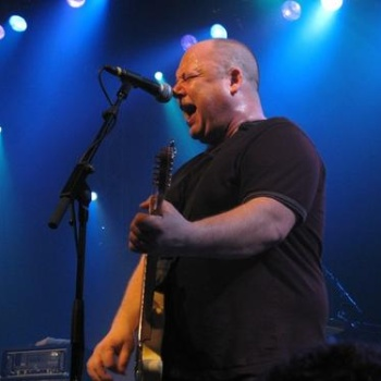 Лидер Pixies оставит сольную карьеру