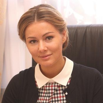 Актриса и депутат Мария Кожевникова шокировала всех новым стилем