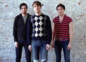 Группа The Cribs выпустит сразу две пластинки