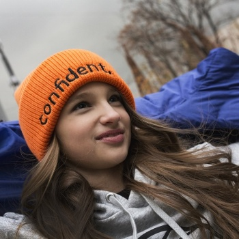 Лиза Анохина стала лицом нового направления «Видеоблогинг»