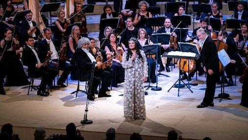 Анна Нетребко приняла участие в открытии концертного зала «Зарядье»