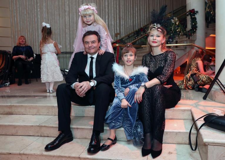 У дочерей Алексея Учителя другая фамилия