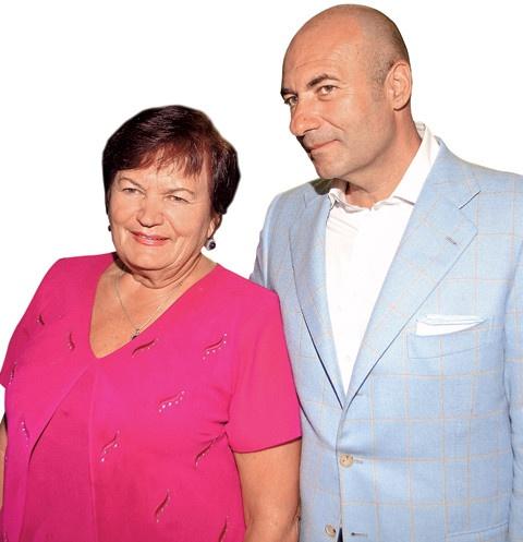 Игорь Крутой подарил родственнице квартиру в Майами