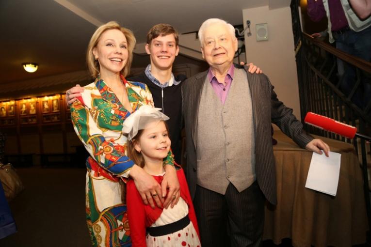 Сын Олега Табакова не может сдать экзамены в ГИТИСе