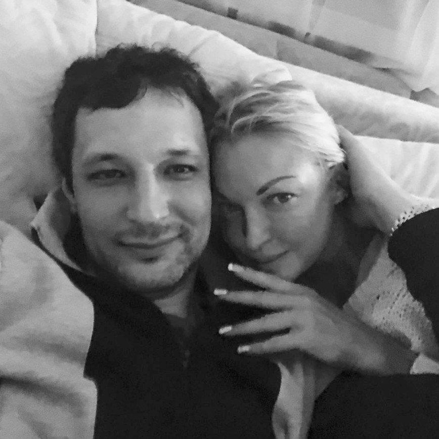 Волочкова выложила постельное фото с новым возлюбленным